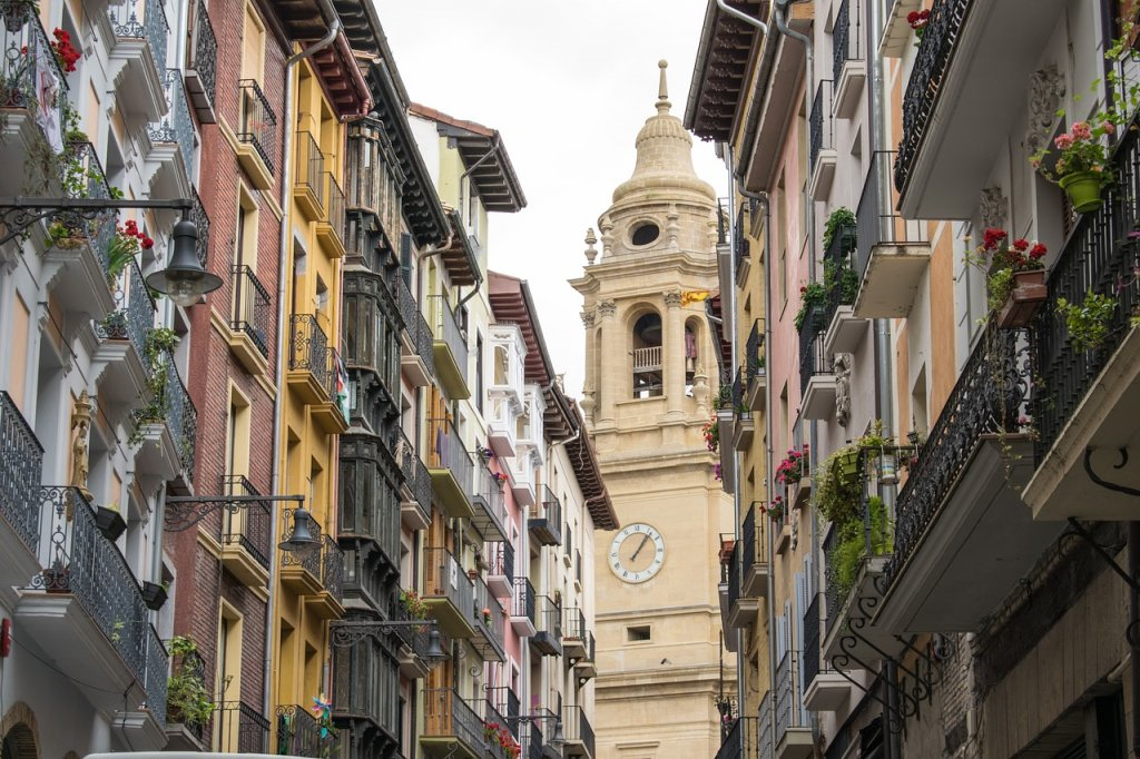 Spain Santiago Path Pamplona  - larahcv / Pixabay
