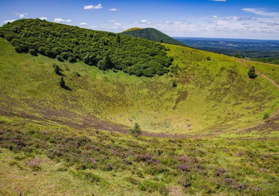 Volcano Landscape Countryside  - djedj / Pixabay