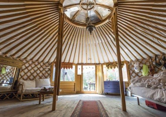 Yurt Holiday Travel Camping  - sabinevanerp / Pixabay
